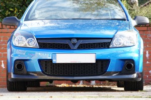 Front End V Grille and Splitter Fitted
